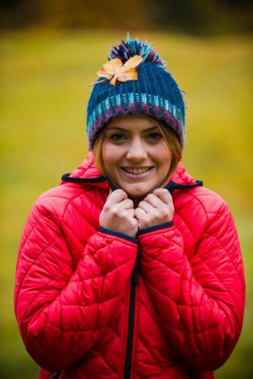 Theresa aus Schwarzenberg geht bei den kalten Temperaturen nur noch mit Jacke und Mütze aus dem Haus.  Foto: VN/Steurer