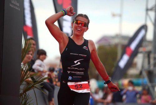 Triathletin Bianca Steurer kam beim Ironman Hawaii nach 10:03:22 Stunden ins Ziel. getty images/ironman