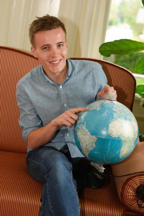 Vetter zeigt auf sein jüngstes Reiseziel: New York. Seit Mittwoch weilt der Lustenauer auf der UNO-Generalversammlung. Foto: VN/Stiplovsek