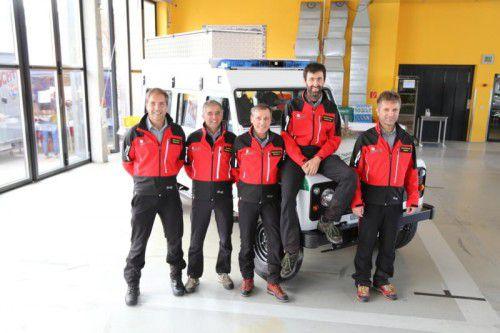 """Die Bergretter freuen sich über ihren neuen """"Dienstwagen"""". ETU"""