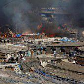 Großbrand in Slum von Mumbai