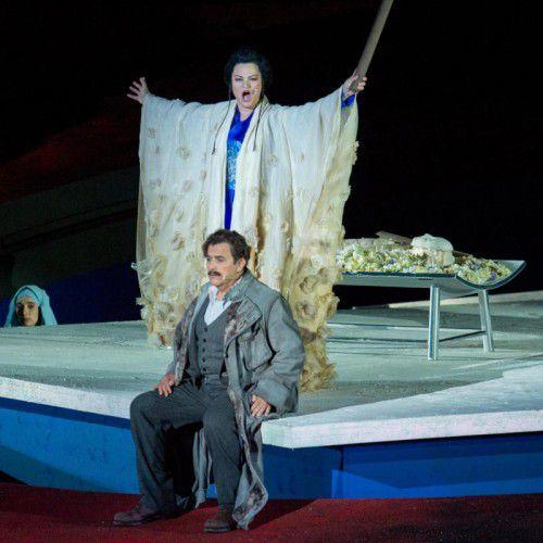 Auch die Kleidung der Turandot gibt es zu erstehen. Foto: VN