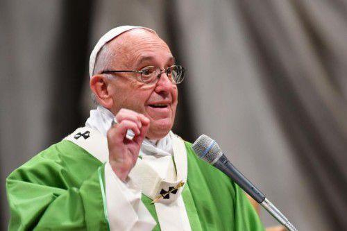 Der Papst rief Regierungen weltweit zu Amnestie für Häftlinge auf.