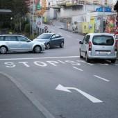 Stopptafel sicherer als Vorranggeben-Schild