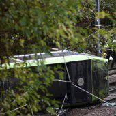 Straßenbahn entgleist: Sieben Tote in London