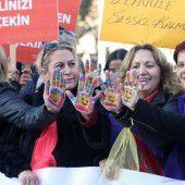 AKP scheitert vorerst mit Gesetz zu Sexualstraftaten
