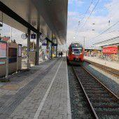 Neuer Bahnsteig in Betrieb