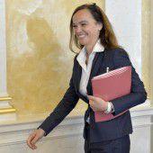 Hammerschmid will die Budgetlücke schließen