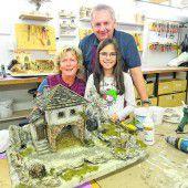 Krippenbauer stellen ihre Kunstwerke vor