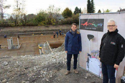 Lokalaugenschein mit Reinhard Warger (r.) und Wolfgang Lang (Atrium), die Anlage wird 2018 fertig.