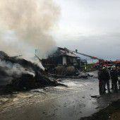 Großbrand zerstört Anwesen