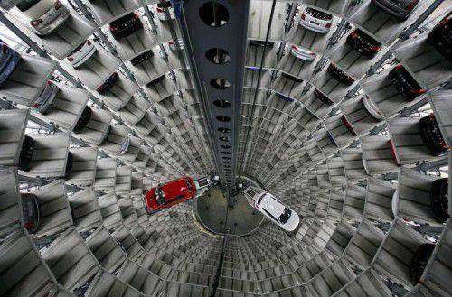 Identec sorgt dafür, dass jedes Auto im VW-Autoturm fahrbereit an den richtigen Besitzer ausgeliefert wird. Reuters
