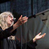 Patti Smith singt für Bob Dylan