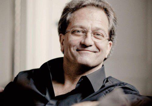 Für den Saisonabschluss mit dem sechsten Abokonzert begibt sich Chefdirigent Korsten ans Dirigentenpult.                               Marco Borggreve
