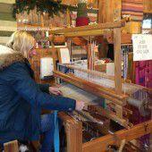 Weben für den guten Zweck am Christkindlmarkt