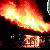 Durch Flammen zerstört