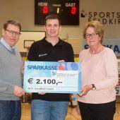 Handballer spenden für Ma hilft