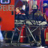 Polizei vermutet Anschlag: Lkw rast in Menschenmenge