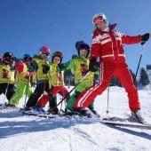 Auch Skischulen warten auf Schnee