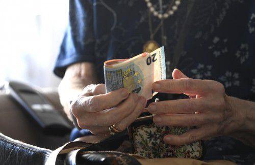 Von 100 Steuereuro fließen insgesamt rund 23 Euro in die Pensionen. Dahinter folgen der Bildungsbereich im engeren Sinn und der Arbeitsmarkt.APA