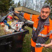 Jetzt wird aufgeräumt mit den Müllsünden auf der Autobahn
