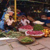 Lebensmittel und viel mehr am Devarja-Markt