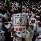 Massendemo gegen Jakartas Gouverneur