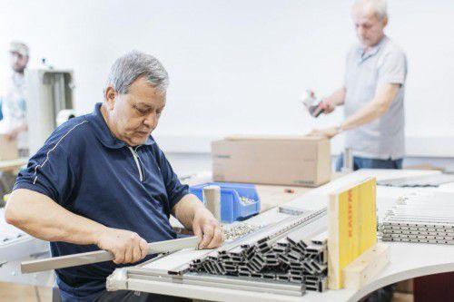 Neben unterschiedlichen Qualifizierungsmodellen gibt es bei Einstellung älterer Arbeitssuchender auch einen Lohnkostenzuschuss. Kaplan Bonetti