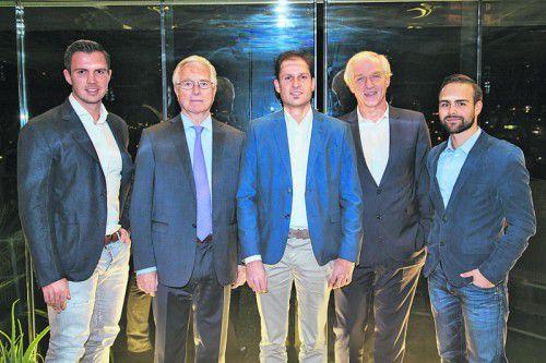 Florian Wassel (l.) mit den Referenten Bernd Schmidbauer, Reinhard Prügl, Klaus Hofmann und Michael Klimmer. Fotos: ikp