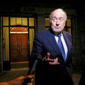 Joseph Blatter bleibt gesperrt