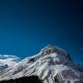 Promis am Arlberg: Filmstars und Royals im Schnee /A5