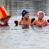 Neujahrsschwimmen im Orankesee