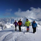 Verschneite Niedere lockt Schneeschuhwanderer
