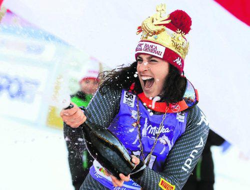 Champagner für die Siegerin: Federica Brignone fuhr am Kronplatz allen davon. Foto: ap