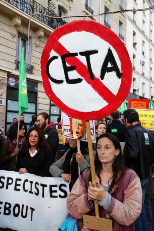 Abkommen wie Ceta stoßen teils auf heftige Kritik.  Foto: AFP