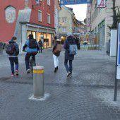 Fußgängerzone in Bludenz mit Poller gesichert