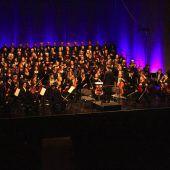 70 Sänger begeistern mit feinster Chormusik