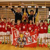 1. FC Köln siegte beim Jubiläum