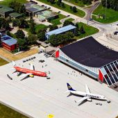 Ein Flughafen im Steigflug