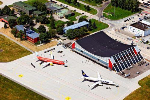 Am Allgäu-Airport wird seit diesem Wochenende auf Corona getestet. FA/Bertram