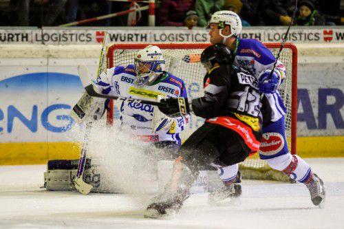 Kapitän Niki Petrik stemmte sich gegen die Niederlage, die der VSV erst in der Verlängerung fixierte. Foto: gepa