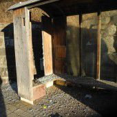 Bushaltestelle mit Silvesterböller zerstört