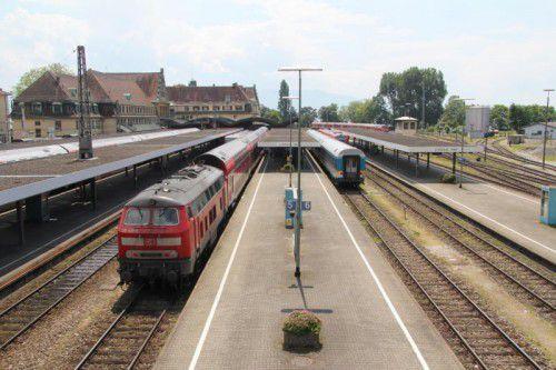 Soll spätestens bis zum Jahr 2022 Geschichte sein: der Bahnhof Lindau ohne Elektrifizierung. Foto: Rauch