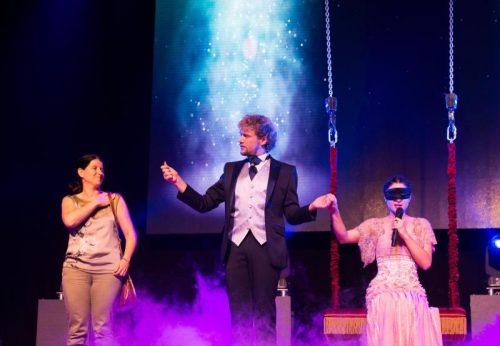 Thommy Ten und Amélie van Tass (r.) sorgen auch für ausverkaufte Shows in Las Vegas. Fotos: Trae Patton/NBC
