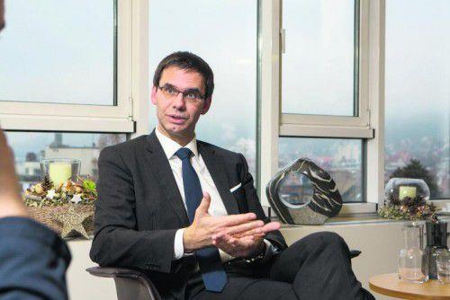 Wallner möchte sich in Vorarlberg auf Projekte wie die Riedstraße konzentrieren. Den Protest des grünen Mandatars Walser kritisiert er. VN/HARTINGER