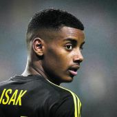 Talent Isak statt zu Real Madrid nach Dortmund