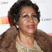 Aretha Franklin verlässt Bühne