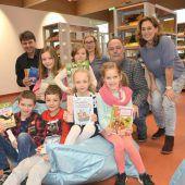 VS Rheindorf freut sich über neue Bibliothek