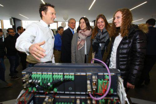 Aussteller der Jobmesse bauen darauf, dass künftig auch mehr Frauen technische Berufe wählen. Foto: HB