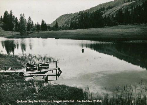 Der Lecknersee (im Bild zu Beginn des 20. Jahrhunderts) hat über die Zeit an Größe eingebüßt.Risch-Lau, Vorarlberger Landesbibliothek, VOLARE